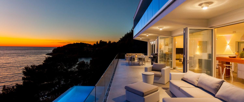Villa Outsides 3